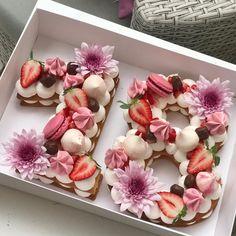 Adi Klinghofer's cakes are goals!