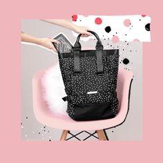 """38e6c6516 Imaginarium on Instagram: """"Pode ser bolsa ou mochila, pois tudo posso  naquele pretinho (nada básico) que me fortalece. 🖤 Já garantiu os seus  presentes pra ..."""