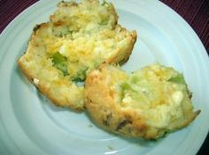 Green Tomato Muffins with Cheese 2 - Copy - The Southern Lady Cooks Spinach Muffins, Savory Muffins, Cheese Muffins, Green Tomato Recipes, Fruit Recipes, Lowest Carb Bread Recipe, Low Carb Bread, Cooking Bread, Essen