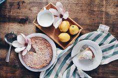 Toscakaka – Swedish almond cake with a twist – The Hot Mess