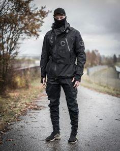 men's outfits already put together Moda Cyberpunk, Cyberpunk Fashion, Cyberpunk Clothes, Dark Fashion, Urban Fashion, Mens Fashion, Modern Fashion, Mode Masculine, Ninja Outfit
