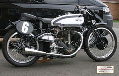 RacingVincent - My Bikes - Picture Gallery Norton Motorcycle, Motorcycle Engine, British Motorcycles, Cars And Motorcycles, Norton Manx, Motorcycle Manufacturers, Super Bikes, Racing, Garden Gate
