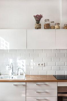 inspiring white kitchen in barcelona. / sfgirlbybay