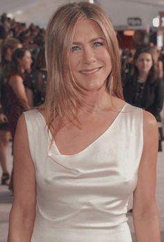 Jennifer Aniston Pictures, Jennifer Aniston Style, Jenifer Aniston, Girl Celebrities, Celebs, Sag Awards, Rachel Green, Beautiful Women, Actresses
