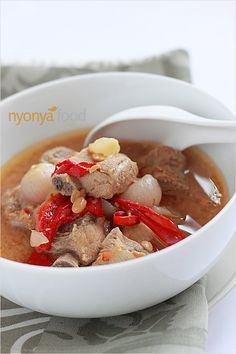 As humble as it looks, Nyonya stewed pork ribs is a very delicious dish, one that would certainly stimulate your appetite with its tangy and savory taste. #pork #stew