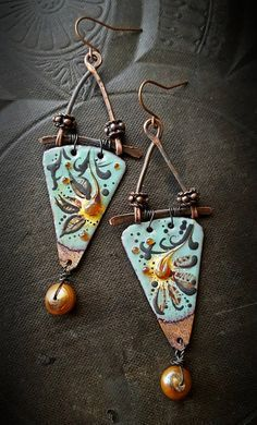 Artisan made enameled charms in a rustic, Bohemian-Gypsy, poetic flow, they are finished off with copper bars and framing with added decorative copper spacers, finished off with bronzey-gold fresh water pearl and copper ear wires. Diy Jewelry Gifts, Jewelry Crafts, Jewelry Art, Fashion Jewelry, Jewelry Design, Jewlery, Metal Clay Jewelry, Enamel Jewelry, Copper Jewelry