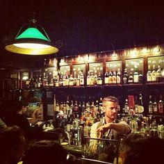 """Dutch Kills in Long Island City, NY  Typische chique bar/cocktailbar in een """"Long Island"""" (= plaats voor kunstenaars en veel musea)  Makkelijk bereikbaar met legendarische """"train 7"""""""