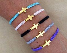 Monedita de oro lateral plateado Cruz cordón Macrame pulsera de la amistad - pulsera del encanto,