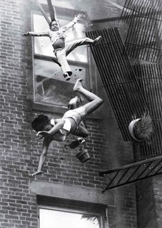 See why 'Fire Escape Collapse' made TIME's 100 Most Influential Photos of All Time History Of Photography, White Photography, Amazing Photography, Photography Awards, Documentary Photography, Vintage Photography, Famous Pictures, Cool Pictures, Most Famous Photographers