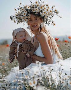 Daisy, Couple Photos, Couples, Couple Shots, Margarita Flower, Daisies, Couple Photography, Couple, Couple Pictures