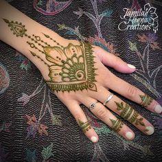 'v' style flower henna www.jamilahhennacreations.com