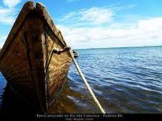 Resultado de imagem para barco ancorado