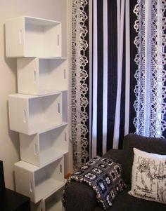 Tee-se-itse-naisen sisustusblogi: Shelf Made Out Of Painted Wooden Boxes