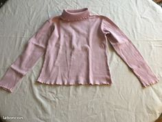 (3) Sous pull col roulé rose pâle 10 ans
