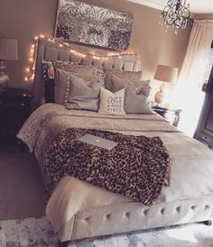Teen Girls Bedroom Interior Design Ideas and Color Scheme plus Bedding ideas Teen Bedroom Interior Design Ideas, Color Scheme,…Teen Bedroom Ideas – Adolescent girls' bed room…Teen Bedroom Ideas – Adolescent girls' bed room… Dream Rooms, Dream Bedroom, Girls Bedroom, Bedroom Themes, Bedroom Designs, Bedroom Decor Teen, Teen Bedroom Lights, Cozy Teen Bedroom, Teen Bedroom Colors