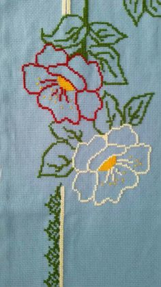 This Pin was discovered by Bey Cross Stitch Heart, Cute Cross Stitch, Cross Stitch Borders, Cross Stitch Designs, Cross Stitching, Hand Embroidery Patterns Free, Embroidery Stitches, Cross Stitch Patterns, Embroidery Designs