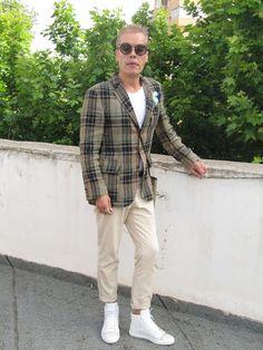 MODA ENTRE HERMANOS:     No sin mis zapatillas blancas          Chaq...