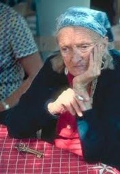 Dorothy Eady was a normal child, until she fell down the stairs and died. When they revived her she said she was Omm Sety Priestess of the Nile! And more startling? She has proof!