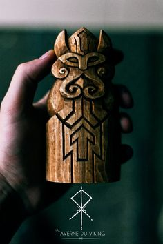 Týr is a god of war and will take mead, meat and blood for sacrifice. If a warrior carved the rune Tîwaz on his weapon he would be dedicating it to Týr and strengthen the outcome of a battle to be in his favor. Wooden Statues, Wooden Figurines, Norse Pagan, Norse Mythology, Woodworking Logo, Woodworking Projects, Intarsia Woodworking, Woodworking Classes, Escudo Viking