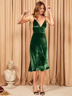 Holiday party dresses - These Holiday Dresses Are So Sexy, We're Weak in the Knees – Holiday party dresses Pretty Dresses, Sexy Dresses, Evening Dresses, Fashion Dresses, Prom Dresses, Elegant Dresses, Summer Dresses, Formal Dresses, Wedding Dresses