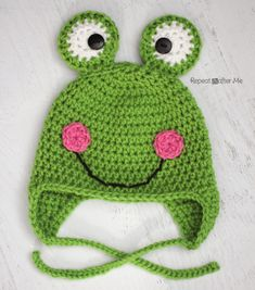 Repeat Crafter Me made this adorable frog hat using Vanna's Choice! Check out her pattern and tutorial and make one for your child who loves to hop around for no reason at all.