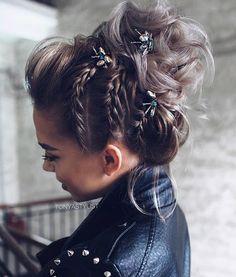 Braided Bun Hairstyles: Get Free Inspiration From This Hair! - Braided Bun Hairstyles: Get Free Inspiration From This Hair! Bride Hairstyles For Long Hair, Formal Hairstyles, Hairstyle Ideas, Bun Hairstyles, Gorgeous Hairstyles, Classic Hairstyles, Natural Hairstyles, Hairstyles For Pictures, Braided Hairstyles Medium Hair