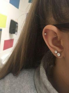 Verliebt in mein Helix-Piercing ! :)) In love with my helix piercing! :)) V… Verliebt in mein Helix-Piercing ! :)) In love with my helix piercing! :)) Verliebt in mein Helix-Piercing ! Piercing Tattoo, Piercing Oreille Cartilage, Piercing Face, Double Ear Piercings, Ear Peircings, Double Cartilage Piercing, Smiley Piercing, Cute Ear Piercings, Cartilage Earrings