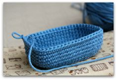 "Done in the ""round"" instead of rows for the base. Crochet Bowl, Crochet Chart, Crochet Basics, Knit Or Crochet, Learn To Crochet, Crochet Stitches, Crochet Hooks, Crochet Patterns, Yarn Projects"