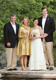 Gorgeous gold theme for bride, groom and parents of bride.  I love it when the parents play such a key role in contributing to the visual theme of the wedding - especially when there are no bridesmaids or groomsmen