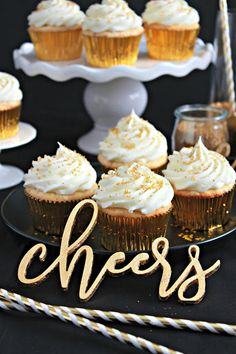 Love and Confections: Sparkler Vanilla Bean Cupcakes with White Chocolat. Vanilla Bean Cupcakes, White Cupcakes, Mini Cupcakes, Cupcake Cakes, Rose Cupcake, Easy Cupcake Recipes, Dessert Recipes, Baking Desserts, White Chocolate Frosting