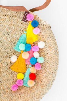 pompon en laine sac a main rond