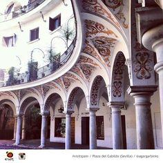 Detalles de Andalucía: Plaza del Cabildo (Sevilla) / Andalusian details: Plaza del Cabildo (Sevilla)