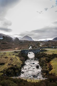 Sligachan old bridge. On a recent trip to scotland, picked out some of the most instagrammable locations. For all you instagram addicts out there, head on over to take a look at them! #instagrammable #instagram #ig #scotland #highlands #landscape #mountains #river 5 Instagrammable places in Scotland - Number 5 was such a good find!