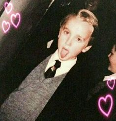 Draco: My father is with me 😋😋 so he can hear whatever you're saying. Draco Harry Potter, Blaise Harry Potter, Magia Harry Potter, Estilo Harry Potter, Theme Harry Potter, Mundo Harry Potter, Harry Potter Icons, Harry Potter Tumblr, Harry Potter Pictures