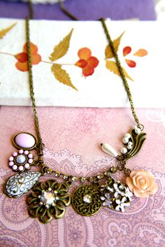 Vintage Chain of Roses and Daisies $7.99