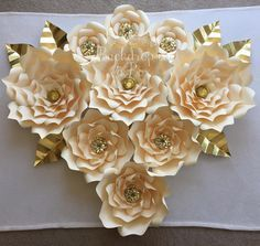 BEAUTIFUL paper flowers made by backdropinabox!!!! Unique decor for parties…