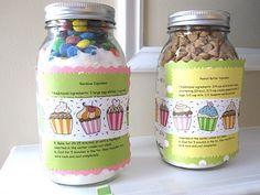 DIY HOLIDAY GIFT ::Cupcake mixes & Free Printables