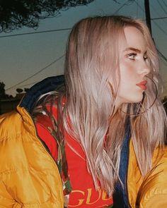 Billie Eilish, She's so pretty Billie Eilish, Pretty People, Beautiful People, Girl Crushes, Music Artists, My Idol, Selfies, Just In Case, Tumblr