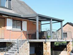 Un toit pour la terrasse grâce à l'auvent