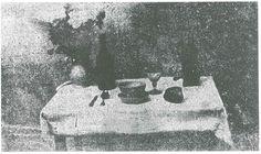 Heliografia, era um processo fotográfico criado por Joseph-Nicéphore Niépce. A imagem era feita com uma placa de estanho derivada de um petróleo fotossensivel e podia ficar até 8 horas em exposição solar, o que tornava o processo muito longo e a imagem final tinha pouca qualidade