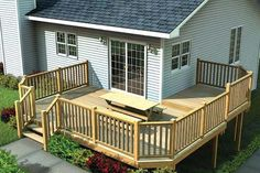 Plan 90041 - Multi-Level Deck w/ Angle Corners Front door where the side window is, steps in front. Deck Building Plans, Deck Plans, Pergola Plans, Corner Deck, Side Deck, Laying Decking, Deck Construction, Wrap Around Deck, Cool Deck
