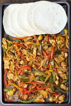 Chicken Fajita one of the easiest healthy dinner recipes. Yellow red and green peppers sliced onions and chicken breasts mixed with some simple spices (ground cumin chili powder garlic powder salt and olive oil). Perfectly baked in the oven and s Easy Healthy Dinners, Healthy Dinner Recipes, Mexican Food Recipes, Yummy Recipes, Cooking Recipes, Easy Dinner Party Recipes, Easy To Make Dinners, Baked Recipes Healthy, Easy To Make Recipes