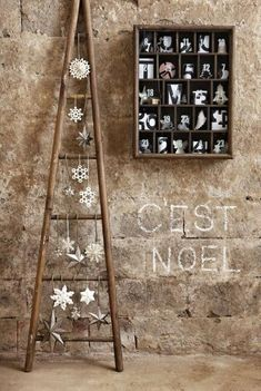 creative home decor ideas rustic Christmas decor wooden tree with white ornaments Ladder Christmas Tree, Diy Christmas Lights, Beautiful Christmas Decorations, Wooden Christmas Trees, Outdoor Christmas Decorations, Xmas Tree, Christmas Crafts, Wooden Tree, Christmas Trends