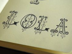 Abstract Lettering in Written Typography / Design Tickle