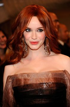 """The Genteel perfection of Christina Hendricks . Sumptuous silhouette of my dreams. She has been called the """"new modern ideal of Hollywood glamour—full figured, voluptuous; a throwback to the days of Marilyn Monroe, Jane Russell and Veronica Lake. Christina Hendricks, Wedding Hair And Makeup, Hair Makeup, Wedding Hairstyles, Cool Hairstyles, Hairstyle Ideas, Dyed Red Hair, Glam Hair, Hair Care Tips"""