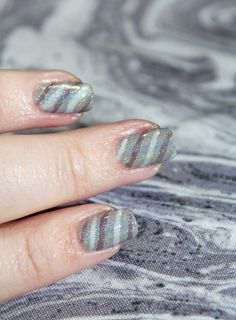 Demure Holo Neutral Stripe Nail Art using KBShimmer Office Space shades in Makin' Copies, Fax of Life, & Cubicle Pusher on All Things Beautiful XO Cool Nail Designs, Acrylic Nail Designs, Acrylic Nails, Art Designs, Nail Art Stripes, Striped Nails, Gradient Nails, Fun Nails, Nice Nails