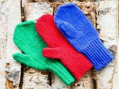 Knitting mittens and their thumbs. Easy Knitting, Knitting Socks, Knit Mittens, Diy Crochet, Refashion, Handicraft, Gloves, Textiles, Wool