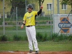 Noah Shaw - Traiskirchen Grasshopper, Austria 2014 Noah Shaw, Baseball Players, Austria, Sports, Tops, Fashion, Hs Sports, Moda, Fashion Styles