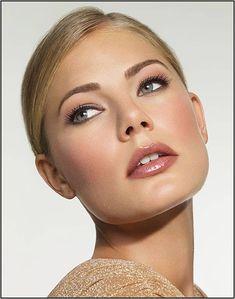 Neutral makeup - A good daytime look.