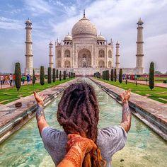 #mytajmemory DREAD ME LEVA #india #tajmahal ---------------------------------- #dreadmeleva #dreadtakesme #folowmeto #trip #world #travel #aroundtheworld #viagem #instatravel #hair #places #instagood #follow #photooftheday #tbt #followme #tagsforlikes #beautiful #picoftheday #heritage Guardei essa foto especialmente pra hoje... e quase esqueço!! mais um ano juntos e temos mais uma entre tantas datas pra comemorar. @katiagpfonseca obrigado por toda paciência e mais paciência :-) vamo seguir…